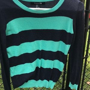 Light weight sweater. Great condition